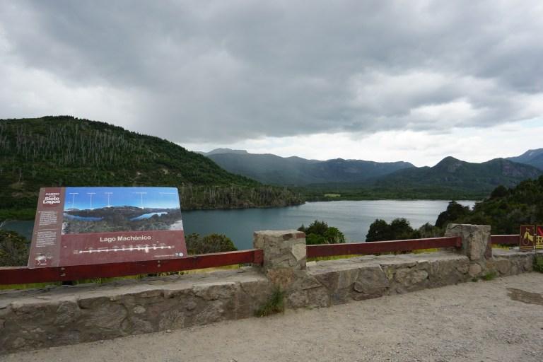 Lago Machonico en la ruta de los siete lagos