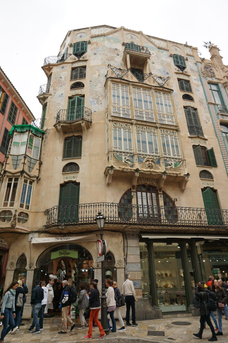 Can Forteza Rey, Gaudi