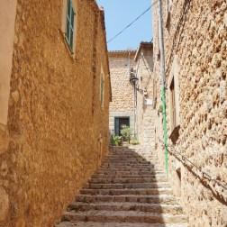 Escaleras de Fornalutx