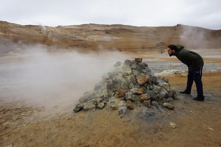 Fumarolas, otra maravilla de la naturaleza que encontramos en nuestra ruta por Islandia.