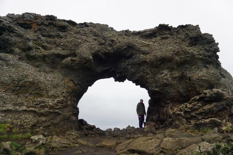 Dimmuborgir, un lugar de otro planeta en la ruta por Islandia.