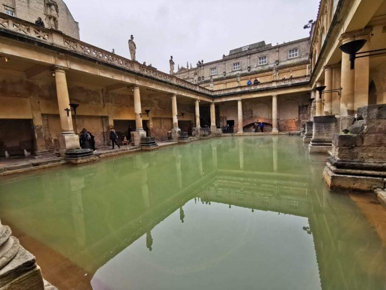 Roman Baths, Atracción Imperdible para ver en Bath en un día