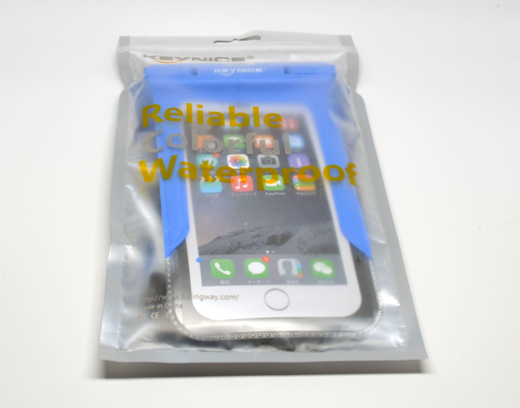 The packaging for the Keynice Universal Waterproof Case for Smartphones.