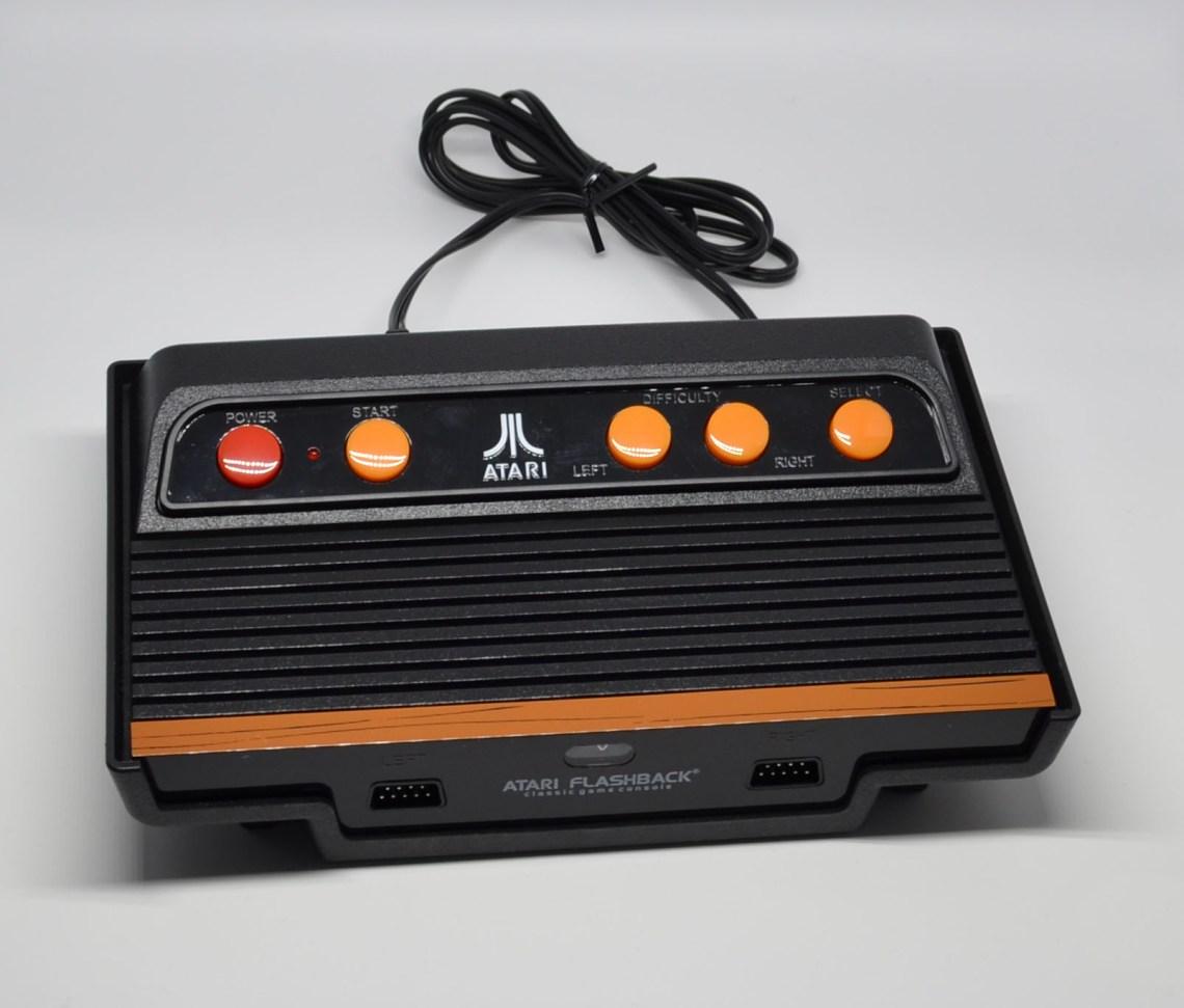 The Atari Flashback 7 console.