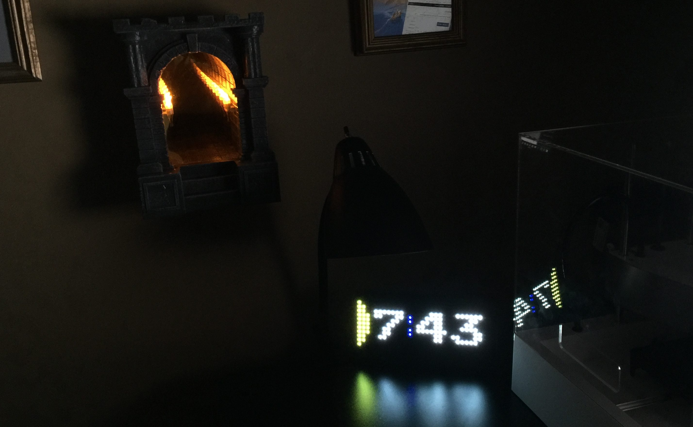 Review: Pac-Man Premium LED Desk Clock and Infinite Dungeon Corridor