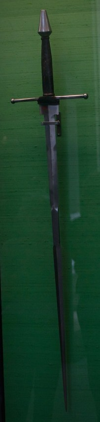 A mid-15th century sword specialized for armoured combat in the lists, similar to one of those described by Fiore dei Liberi