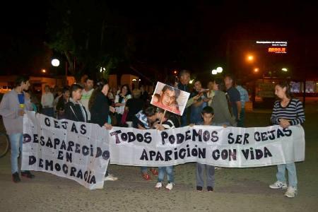 """Se realizó una nueva marcha por el caso Cejas. Diaz declaró,  """"Hemos recibido amenazas¨."""
