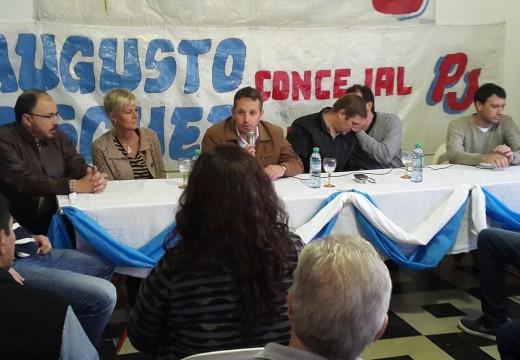 Más de 1.700 jóvenes del departamento Belgrano viajarán a Tecnópolis.