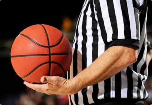 Curso de aspirantes para árbitros de básquet.