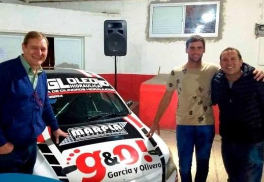 El piloto Juan Manuel Passera compartió una cena en el Club Huracán.