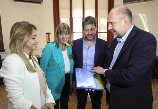 "Perotti: ""Queremos una Santa Fe que salga a competir en turismo a nivel nacional»"
