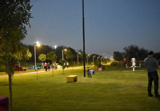 """Iluminación en el paseo saludable """"René Favaloro"""""""