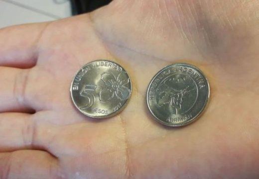 El billete de cinco pesos se muere y solo sobrevivirá la moneda