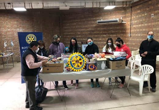 Rotary Club, Rotaract, Interact, juventudes de los clubes Barraca, Defensores  Norte y Gimnasio PRP hicieron entrega de donación   para el Hospital de Niños «Víctor J. Vilela»