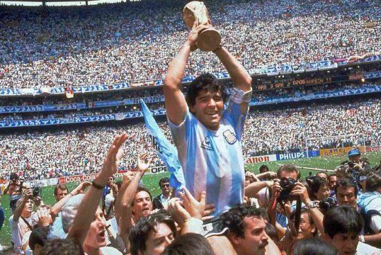 Santa Fe adhiere al duelo nacional por el fallecimiento de Diego Maradona.