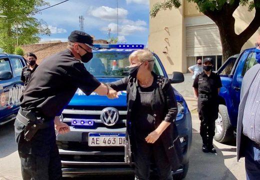Clerici participó de la llegada de dos móviles policiales para la ciudad.