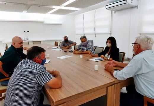 Cañada de Gómez. Reunión de autoridades municipales con prestadores de servicios al Agro.