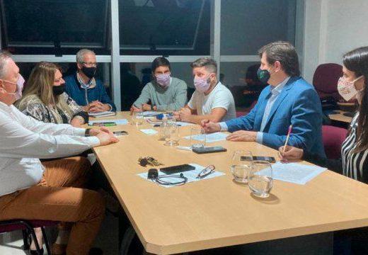 Intendencias y comunas radicales denuncian discriminación por parte del gobierno provincial.
