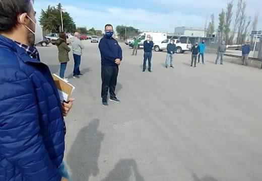 Trabajadores de la Salud, fueron convocados por representantes de la cámara de industria y comercio frente al área industrial.