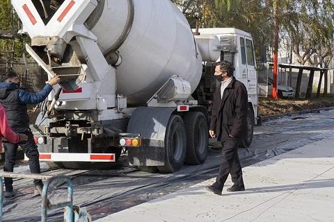 Armstrong suma una cuadra de pavimento en zona norte de la ciudad, Castellanos entre Ruta Nacional N° 9 y Cuffia.