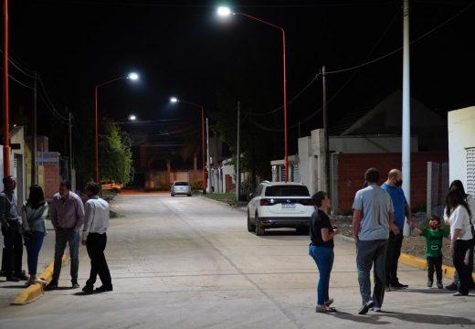 Armstrong. Nueva iluminación en calle California.