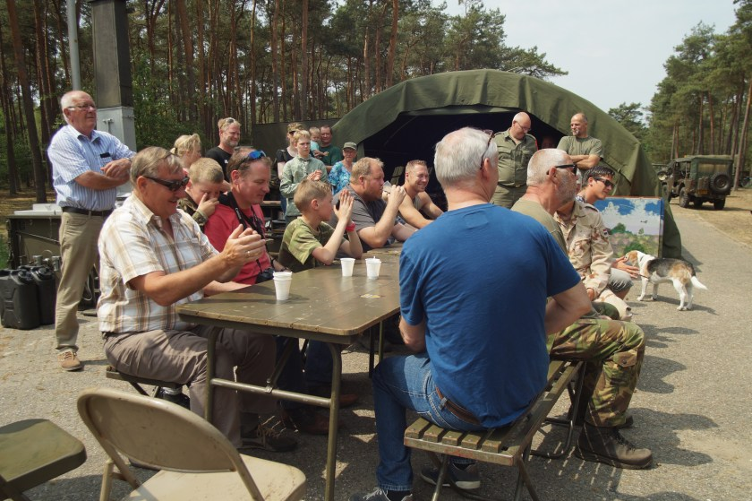 Kantinedienst aanwezig met veldkeuken en bar | ISK Harskamp | Army Vehicle Club