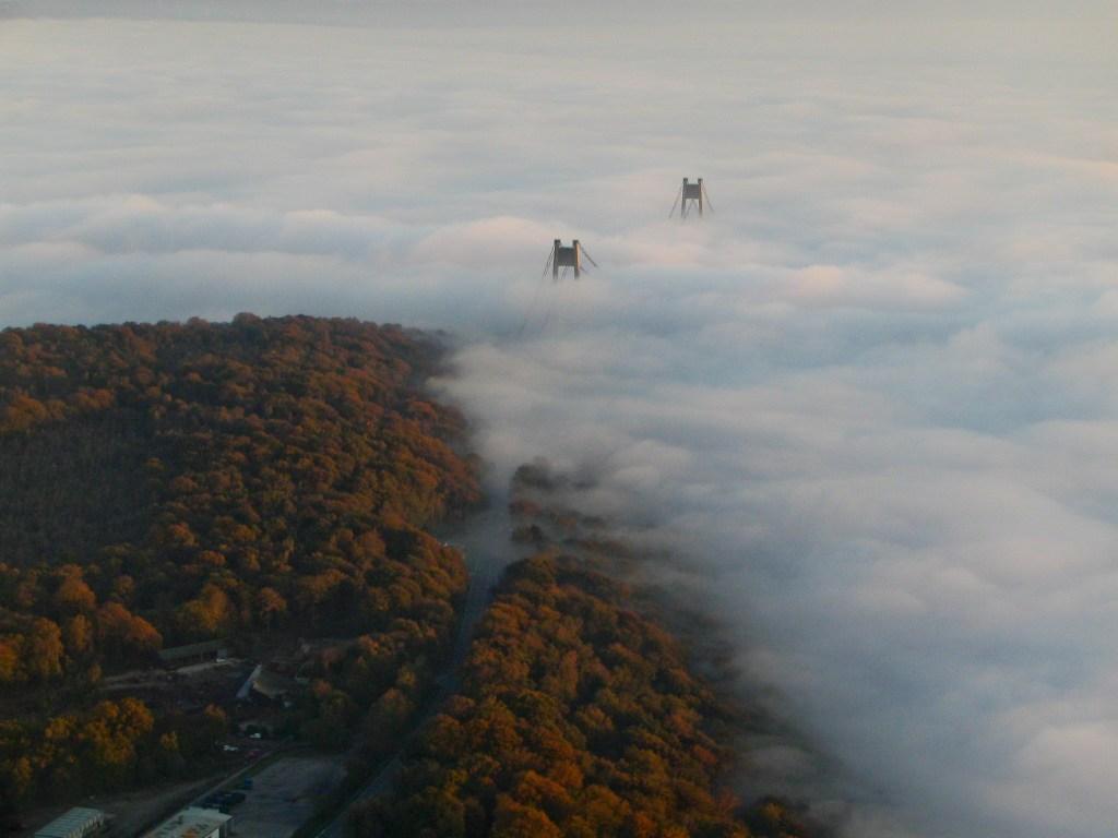Tancarville dans la brume