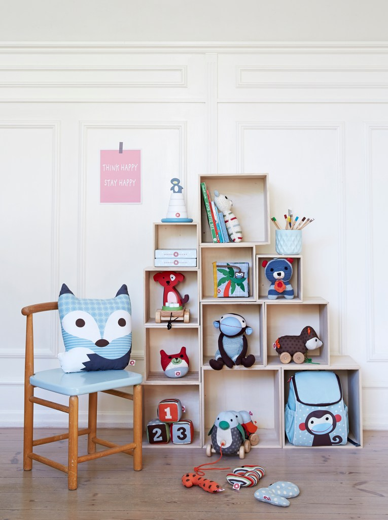 franck-fischer-bookcases-with-products