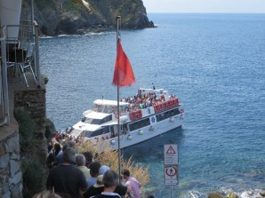 The shuttle boat from Riomaggiaore to Monterosso