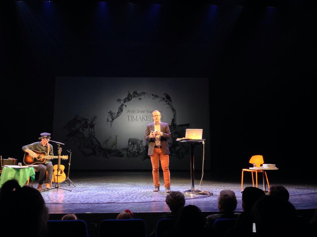 Andri Snær segir frá Tímakistunni