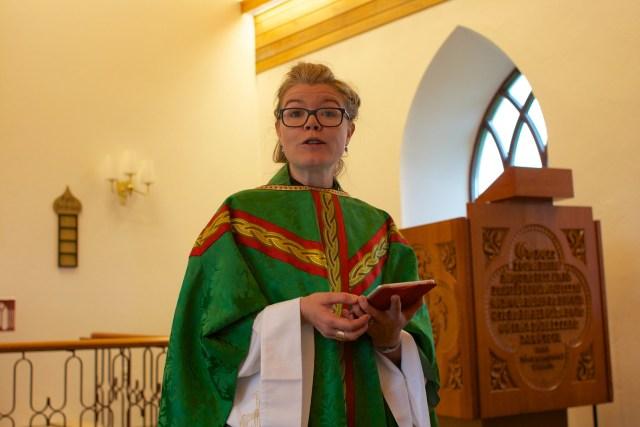 Kristín prédikar í Garðakirkju 31. ágúst 2014.