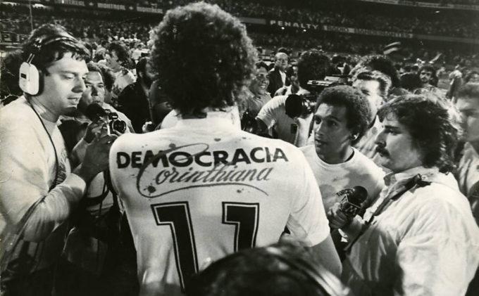 Democracia, a nova luta recomeça para sua volta, no Brasil e no Mundo.
