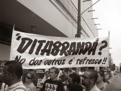 Por que não compro essa história de que Folha é vitima de Bolsonaro