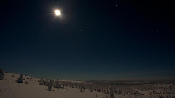 Vollmond über dem Akkanolke bei Arvidsjaur - Lappland, Schweden