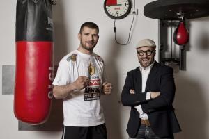 Arnold Gjergjaj und sein Trainer Angelo Gallina boxen sich durch die Provinz – nun stehen sie vor einem Millionenpublikum im Ring