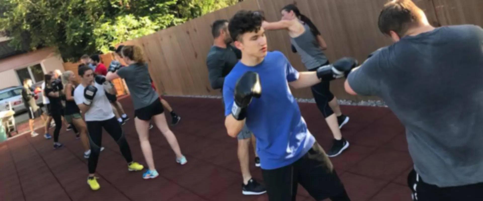 Permalink auf:BOXFIT Boxen & Fitness für Männer & Frauen