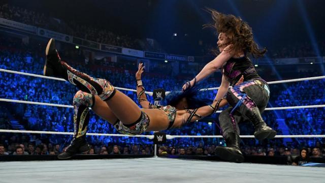 Nikki Cross takes down Sasha Banks