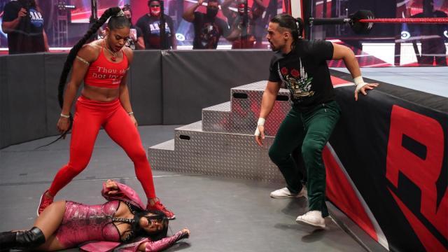 Bianca Belair drops Zelina Vega
