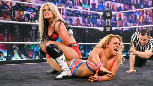Toni Storm tries to submit Zoey Stark