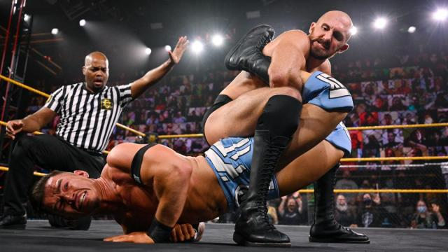 Oney Lorcan tries to submit Austin Theory
