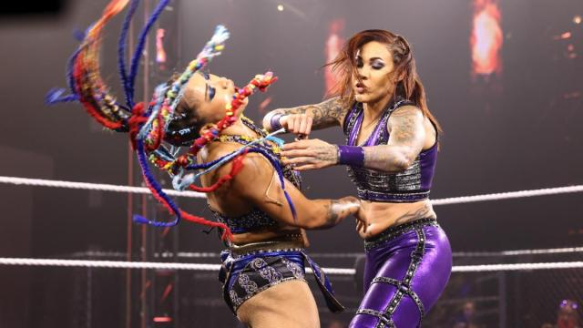 Mercedes Martinez punches Xia Li