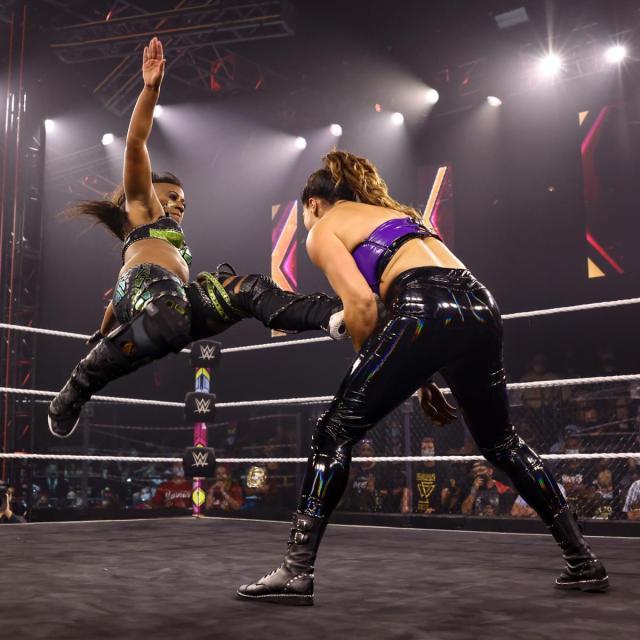 Ember Moon kicked Raquel Gonzalez