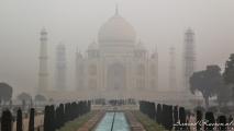 Taj Mahal in de mist