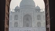 Taj Mahal (gezien vanuit de moskee)