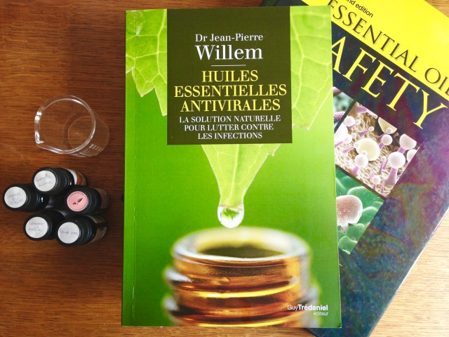 livre huiles essentielles antivirales