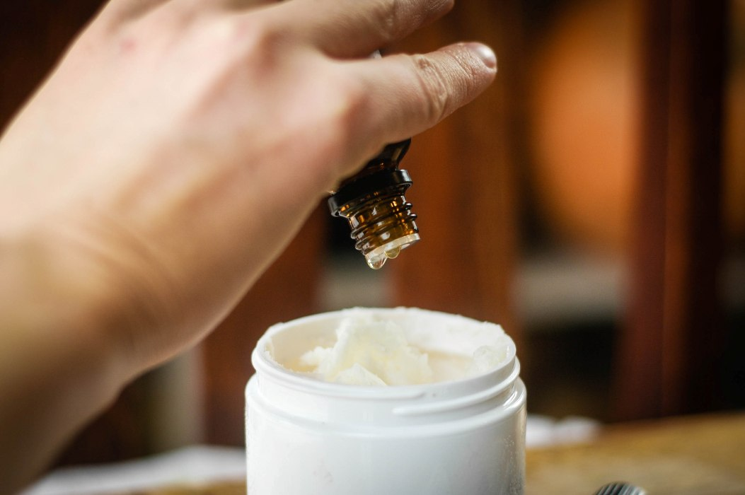 Можжевельник эфирное масло применение для лица. Масло можжевельника для очищения тела и духа