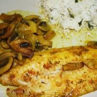 Filetes de peixe gato com cogumelos e açafrão