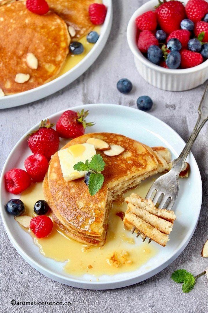 Almond pancakes on a fork-2