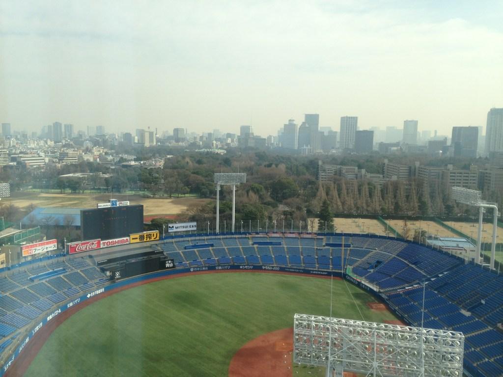 神宮球場、赤坂離宮を望む外苑前周辺の風景