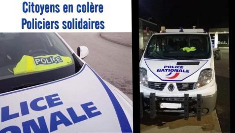 les policiers soutiennent les citoyens